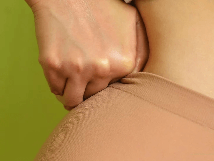 How to put on men's pantyhose? 7 Most practical tips 7