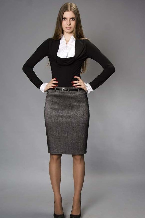 wear pencil skirt pantyhose