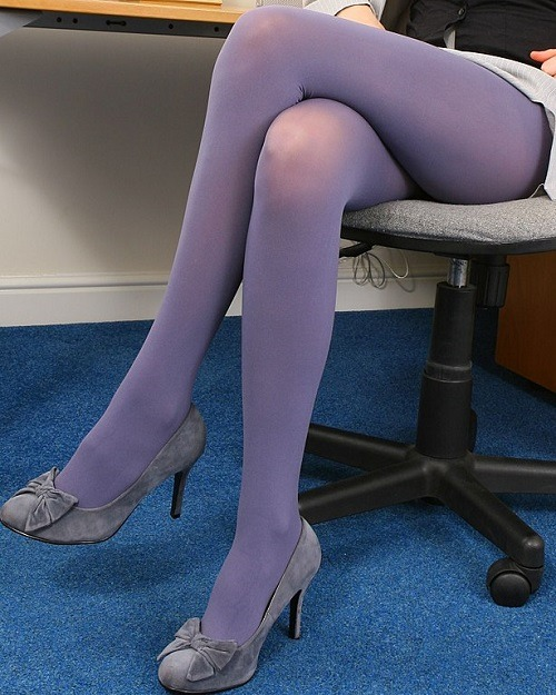 Differences Between Pantyhose and Tights