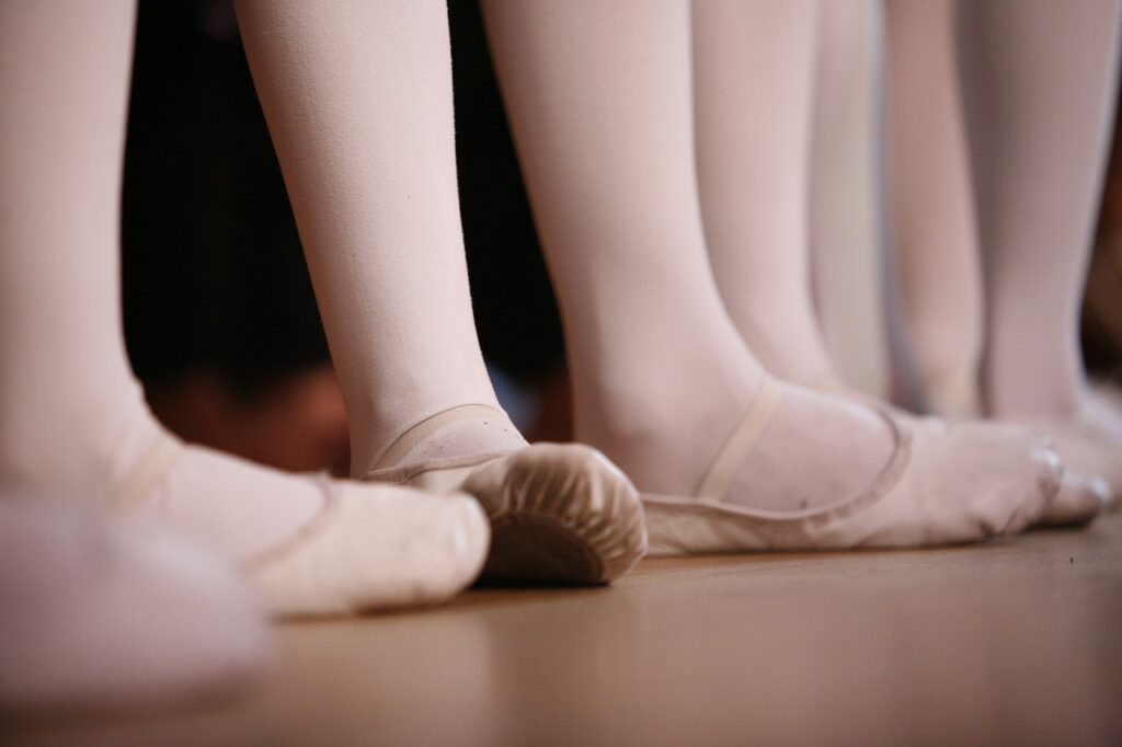 What are the differences between ballet stockings and pantyhose?